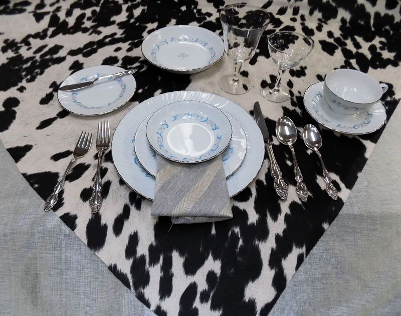 A Solid Metallic Silver For The Table Cloth Brings A Sense Of Elegance,  While The Animal Print Shown On ...